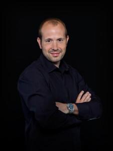 Tres minutos con José Manuel Aparicio (Firma de libros) @ Librería Cervantes | Oviedo | Principado de Asturias | España